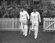Cyril Washbrook walking on with Len Hutton
